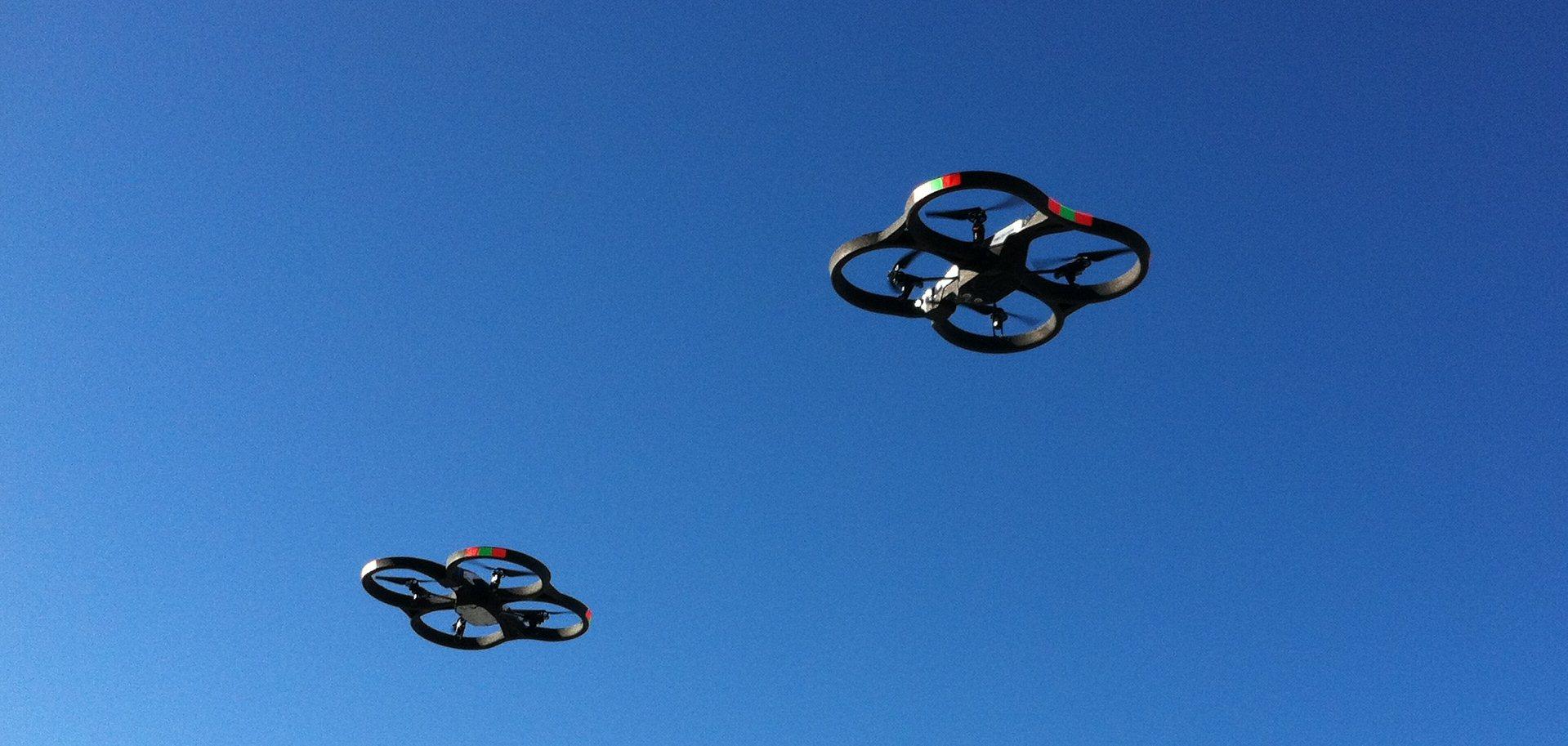 2 Parrot AR Drones