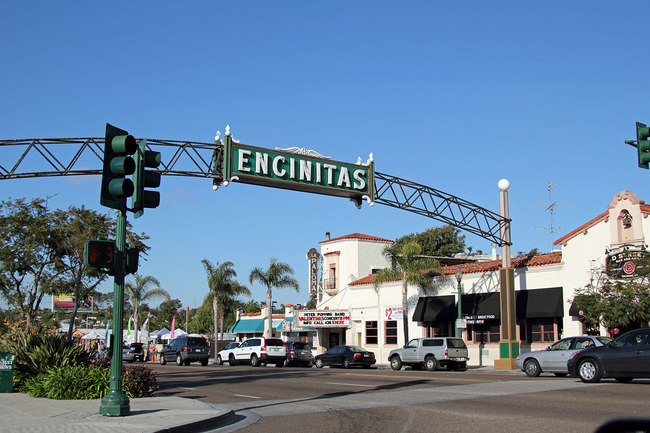Downtown Encinitas, California, Credit: Wikimedia Commons