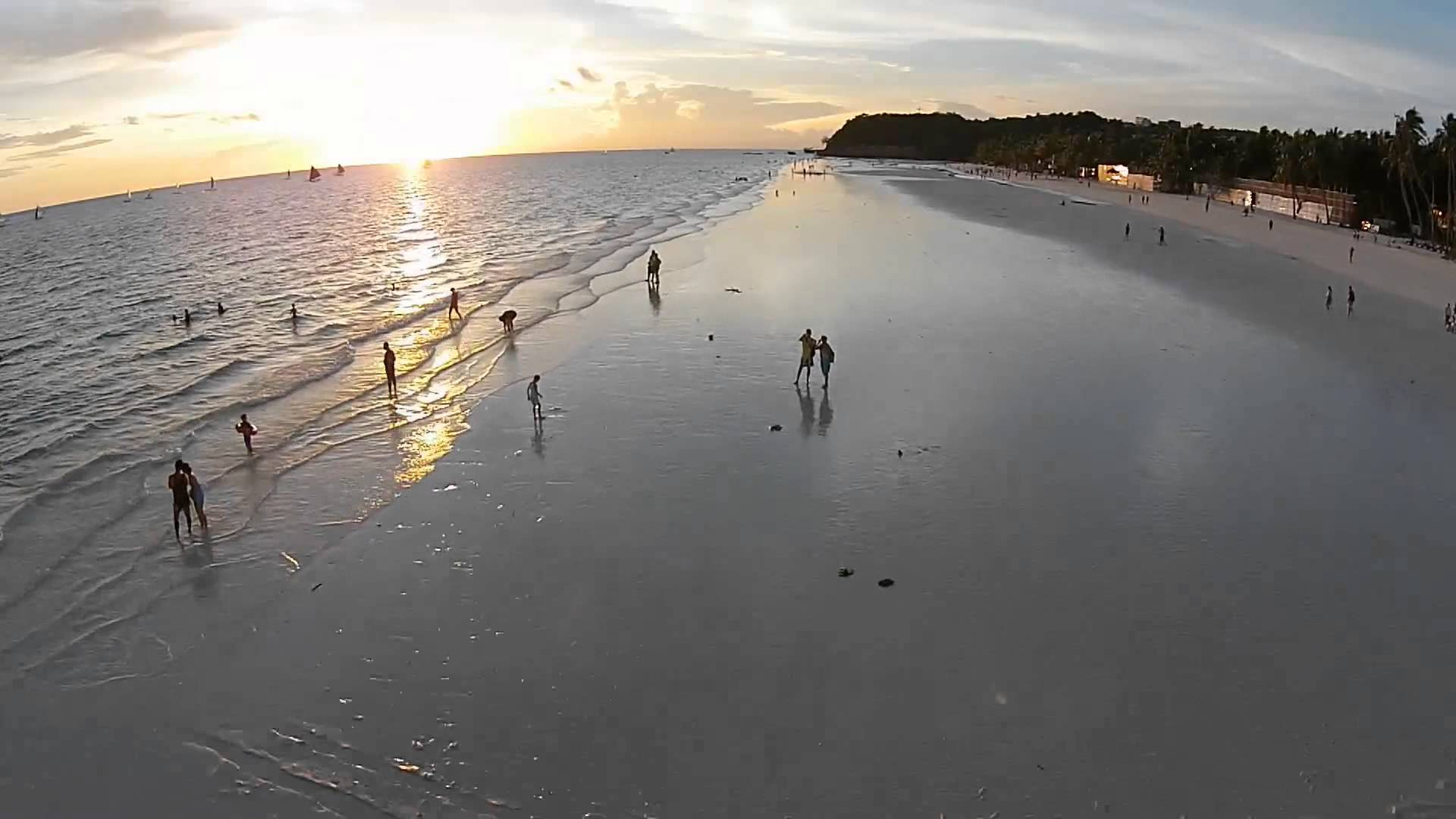 Boracay Beach sunset shot with amazing Phantom 2 Quadcopter, Credit: YouTube