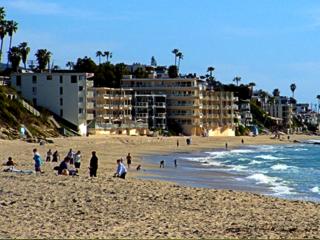 Laguna Beach Condos, Credit: Wikimedia Commons